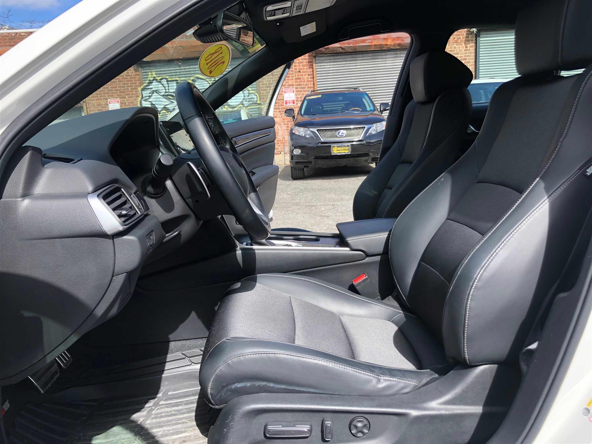 2018 Honda Accord sport新版 雅阁运动版 , 只开了17000 miles ,一首车主