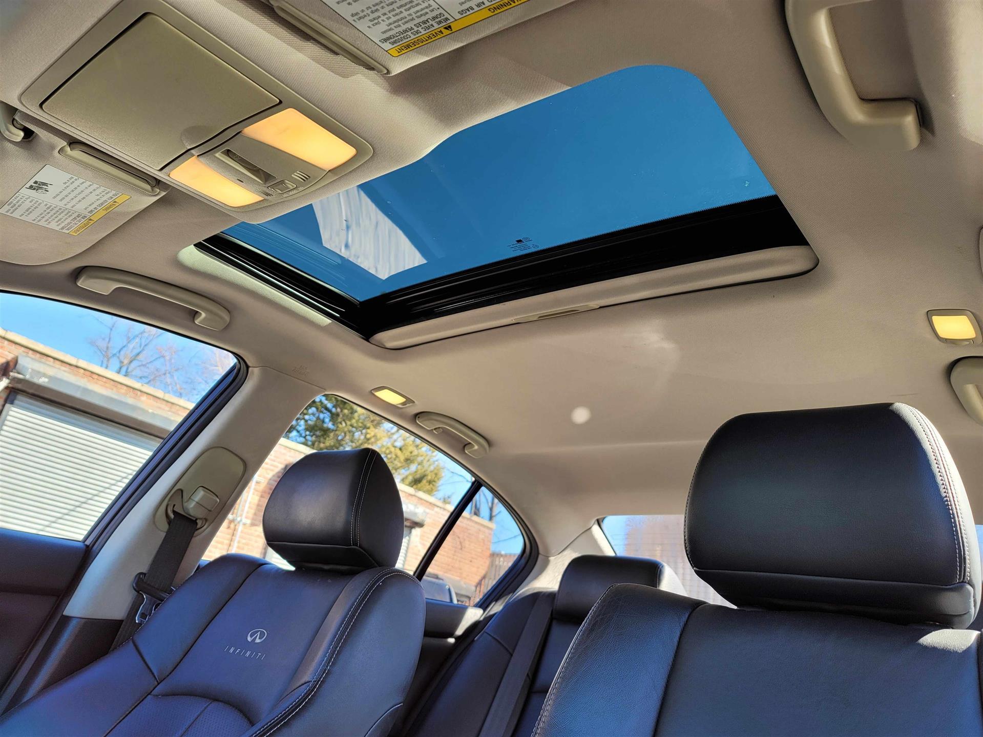 便宜货 2010 Infinti G35 , 才开了66000 miles . 无事故记录。 送外卖最佳, 价格才1万出头,而且记录干净, 附送你们90天保修计划