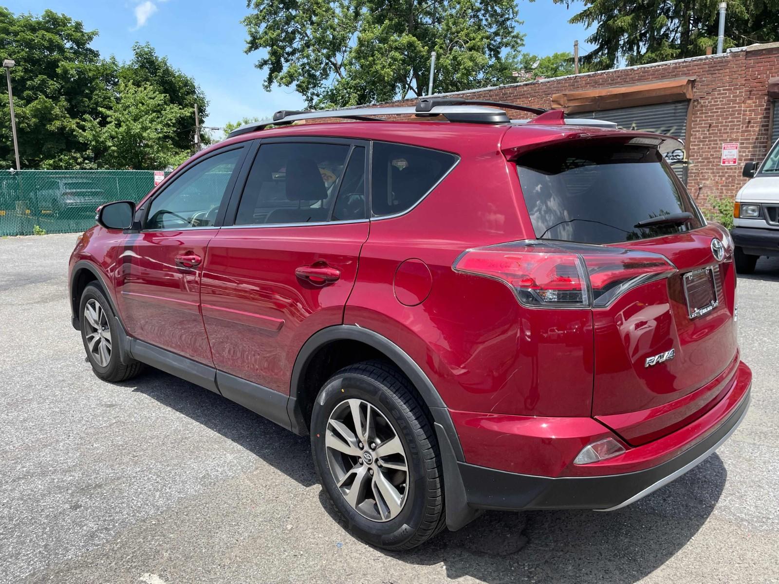 2018 Toyota RAV4 xle AWD开了37000 miles 有天窗蓝牙 盲点辅助 和倒车影像 一首车主 欢迎来看车咨询